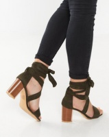Legit S19- Lace-Up Heel With Metal Insert Fatigue Photo