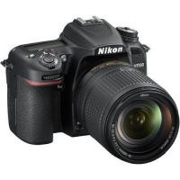 Nikon CAMNISLD7500K001 Digital SLR Camera with 18-140mm VR Lens Photo