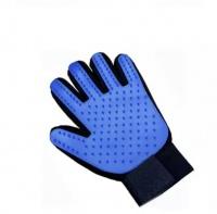 TryMe Pet Grooming & Deshedding Glove Photo