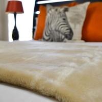 Legacy Leisure - Belfiore Hotel blankets - Plain Bone Photo