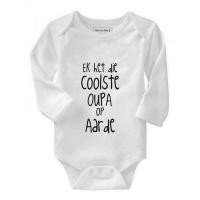 Noveltees 'Ek het die Coolste Oupa op Aarde' Long Sleeve Baby Grow Photo
