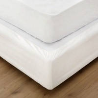 Miss Lyn White Fitted Base Case - White Photo
