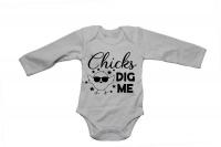 Chicks Dig Me! - Baby Grow Photo