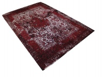 Classic and Stylish Rug - Red Photo