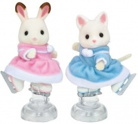 Epoch Sylvanian Families - Ice Skating Friends Photo