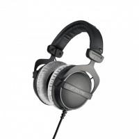 Beyerdynamic DT 770 PRO 250 ohms Professional Studio Headphones Photo