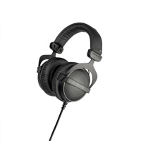 Beyerdynamic DT 770 PRO 32 ohm Reference Headphones Photo