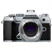 Olympus OM-D E-M5 Mark 3 Body Zilver Incl Charger Battery Photo