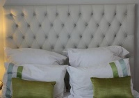 diamond tufted double size headboard bed